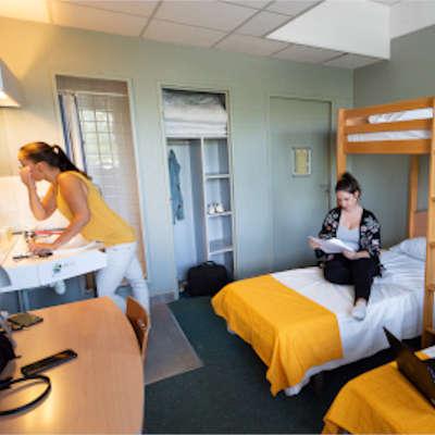 chambre trois lits