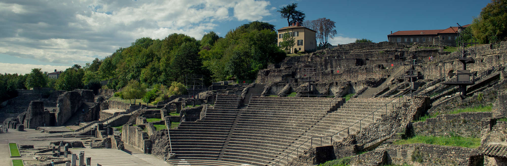 touristic visit of the Lyon Gallo-Roman theater